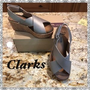 """""""New""""  CLARKS soft cushion Wedge Leather Sandals"""